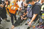 """香港暴徒围殴内地旅客外媒救人称袭击如""""黑帮"""""""
