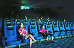"""观众一句""""复工愉快"""",让影院员工险些泪奔……"""